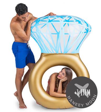 ハネムーンにも♪ Bling Ring Pool Float