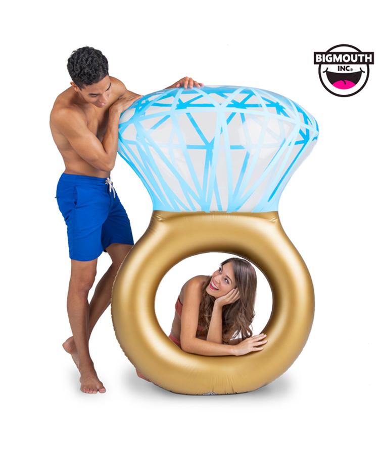 ハネムーンにも ♪【BIG MOUTH】Bling Ring Pool Float